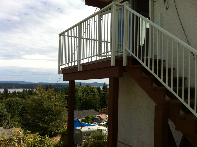 wooden deck and fence victoria cowichan valley
