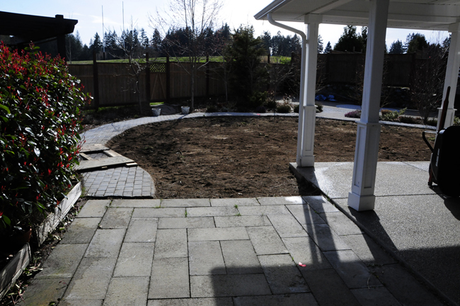 victoria-landscaping-during-construction